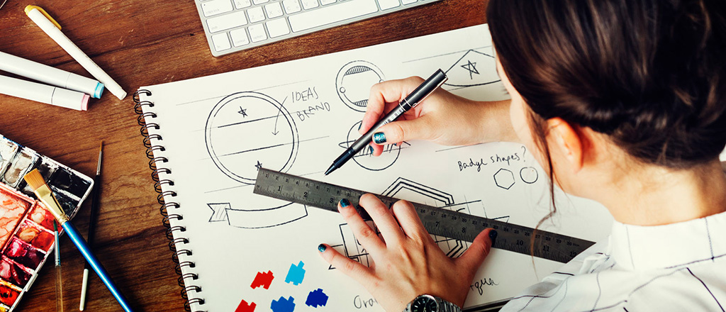 Why A Data Driven Roach Can Enhance The Art Of Logo Design